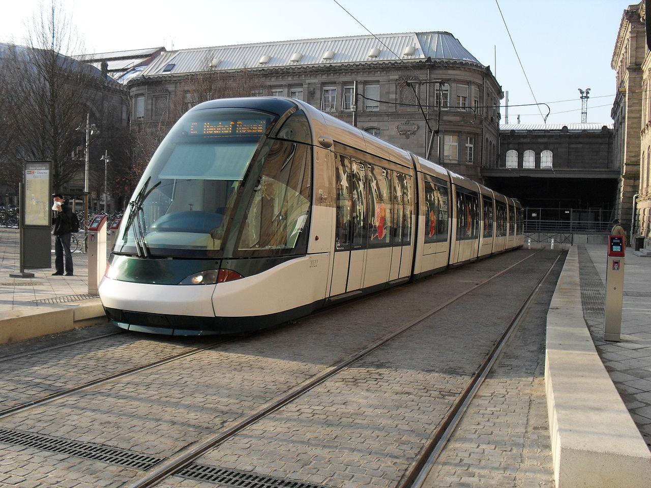 1280px-TramStrasbourg_lineC_GareCentrale2
